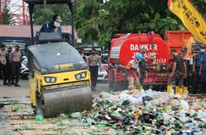Jaga Kondusifitas Jelang Nataru, Polres Jepara Musnahkan 4.742 Botol Miras