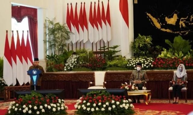 Wakil Presiden Ma'ruf Amin memberikan sambutan pada peluncuran Gerakan Nasional Wakaf Uang (GNWU) di Istana Negara Jakarta, Senin (25/1). (ANTARA/LINGKAR.CO)