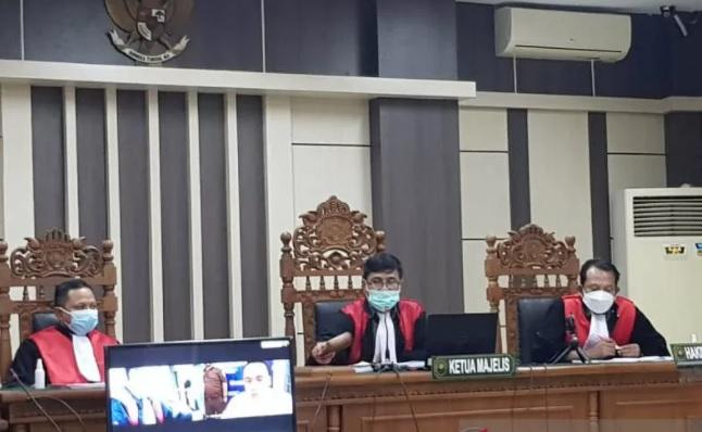 Sidang kasus suap PDAM Kudus di Pengadilan Tipikor Semarang dilaksanakan secara daring, Selasa (12/1). (ANTARA/LINGKAR.CO)
