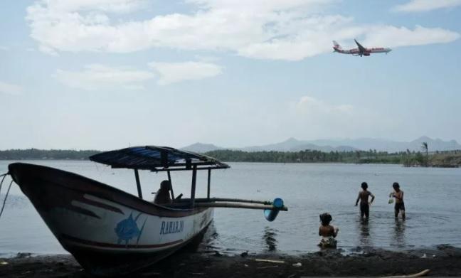 Ilustrasi wisatawan berkunjung ke kawasan muara Sungai Bogowonto, Temon, Kulon Progo, D.I Yogyakarta. (ANTARA FOTO/LINGKAR.CO)