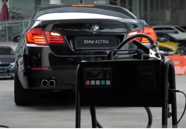 Ilustrasi uji emisi gas buang yang dilakukan di Bengkel BMW Astra. (ANTARA/LINGKAR.CO)