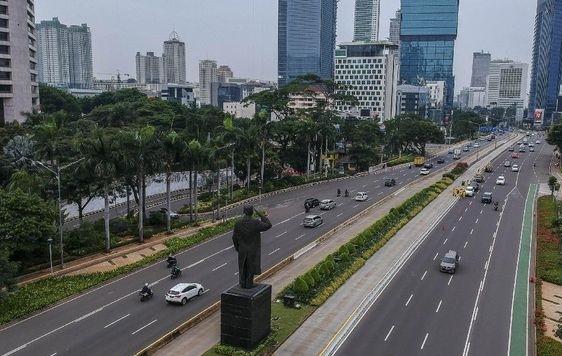 Salah satu ruas jalan raya di Ibu Kota Jakarta belum lama ini. (ANTARA/LINGKAR.CO)