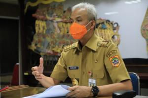 Wong Cilik Keluhkan Jateng di Rumah Saja, Ganjar Pranowo: Kalau Mengeluh ke Saya Belum Ada