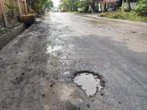 Jalan Pantura dan Provinsi Sama-Sama Rusak