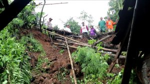 Longsor di Grobogan, Balita dan Orang Tua Alami Luka-Luka