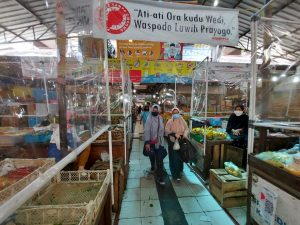 Khawatir Tak Laku selama Jateng di Rumah Saja, Pedagang Pasar Pilih Tak Jualan