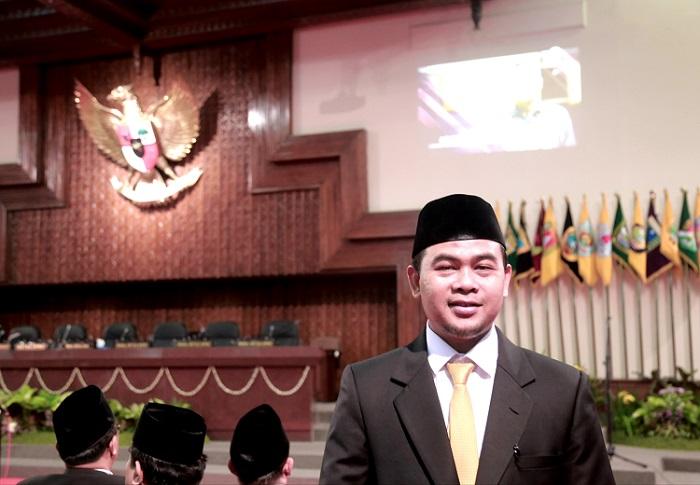 HIMBAU: Komisi A DPRD Jawa Tengah Sururul Fuad berharap kesadaran tertib berlalulintas di Jawa tengah meningkat setelah diresmikannya penerapan Electronic Traffic Law Enforcement (ETLE), Selasa (23/3). (TITO ISNA UTAMA/LINGKAR.CO)