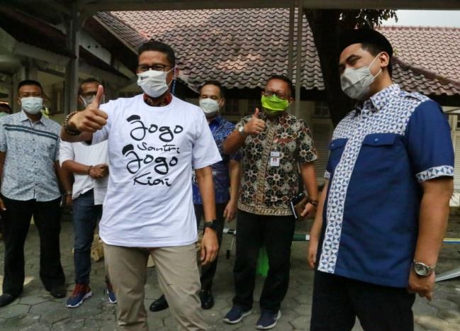 SINERGI: Wakil Gubernur Jawa Tengah Taj Yasin Maimoen (kanan) bersama Menteri Pariwisata dan Ekonomi Sandiaga Salahuddin Uno.(ISTIMEWA/LINGKAR.CO)