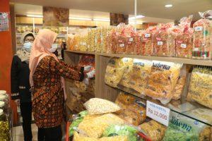 Jelang Lebaran, Lakukan Sidak Keamanan Pangan di Sejumlah Pusat Perbelanjaan