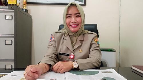 SAMPAIKAN: Kepala BPBD Kabupaten Grobogan Endang Sulistyoningsih, saat menjelaskan di kantornya. Kamis (15/4). (MUHAMAD ANSORI/LINGKAR JATENG)