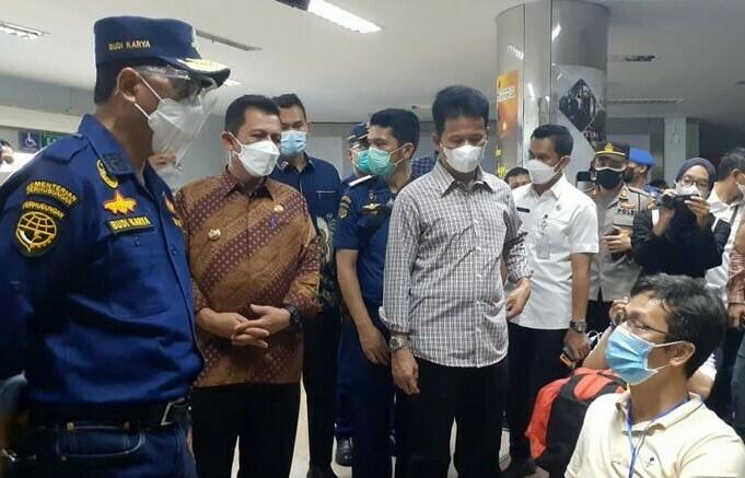 PERKETAT: Menteri Perhubungan Budi Karya Sumadi himbau untuk melakukan pengetatan terhadap pemulangan pekerja migran di twngah larangan mudik lebaran tahun 2021. (ANATARA/LINGKAR.CO)