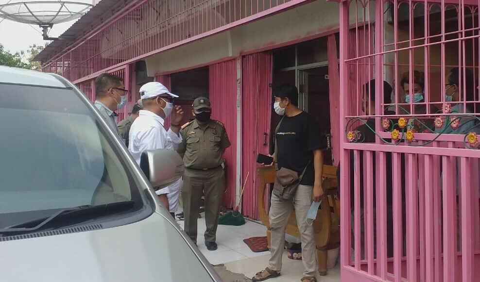 RAZIA : Operasi di Salon Cassandra oleh Komisi A DPRD dan Satpol PP Pati, Rabu (2/6). (ISTIMEWA/LINGKAR.CO)