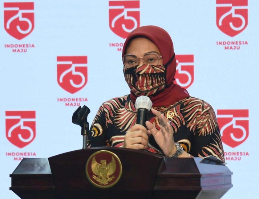 MENYATAKAN: Menteri Ketenagakerjaan (Menaker), Ida Fauziyah. (ISTIMEWA/LINGKAR.CO)