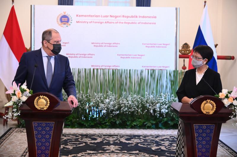 KERJA SAMA: Pemerintah Indonesia dan Rusia tengah melakukan finalisasi nota kesepahaman (MoU) kerja sama kesehatan untuk memproduksi vaksin COVID-19, Selasa (6/7/21). (ANTARA/LINGKAR.CO)