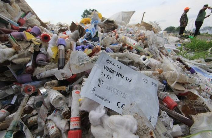 ILUSTRASI: limbah Bahan Berbahaya dan Beracun (Limbah B3) Medis Covid-19. (ANTARA/LINGKAR.CO).