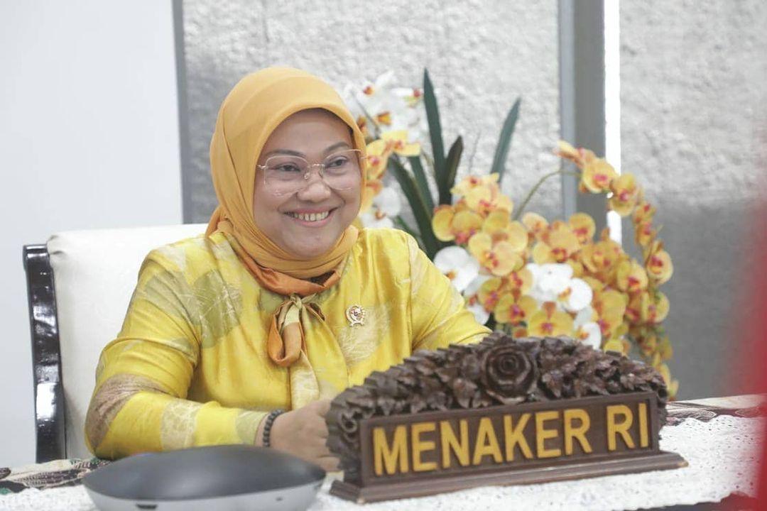 HIMBAU: Menteri Ketenagakerjaan (Menaker) Ida Fauziyah meminta perusahaan dan pekerja patuhi kebijakan Pemberlakuan Pembatasan Kegiatan Masyarakat (PPKM) Darurat Jawa dan Bali. (ISTIMEWA/LINGKAR.CO)
