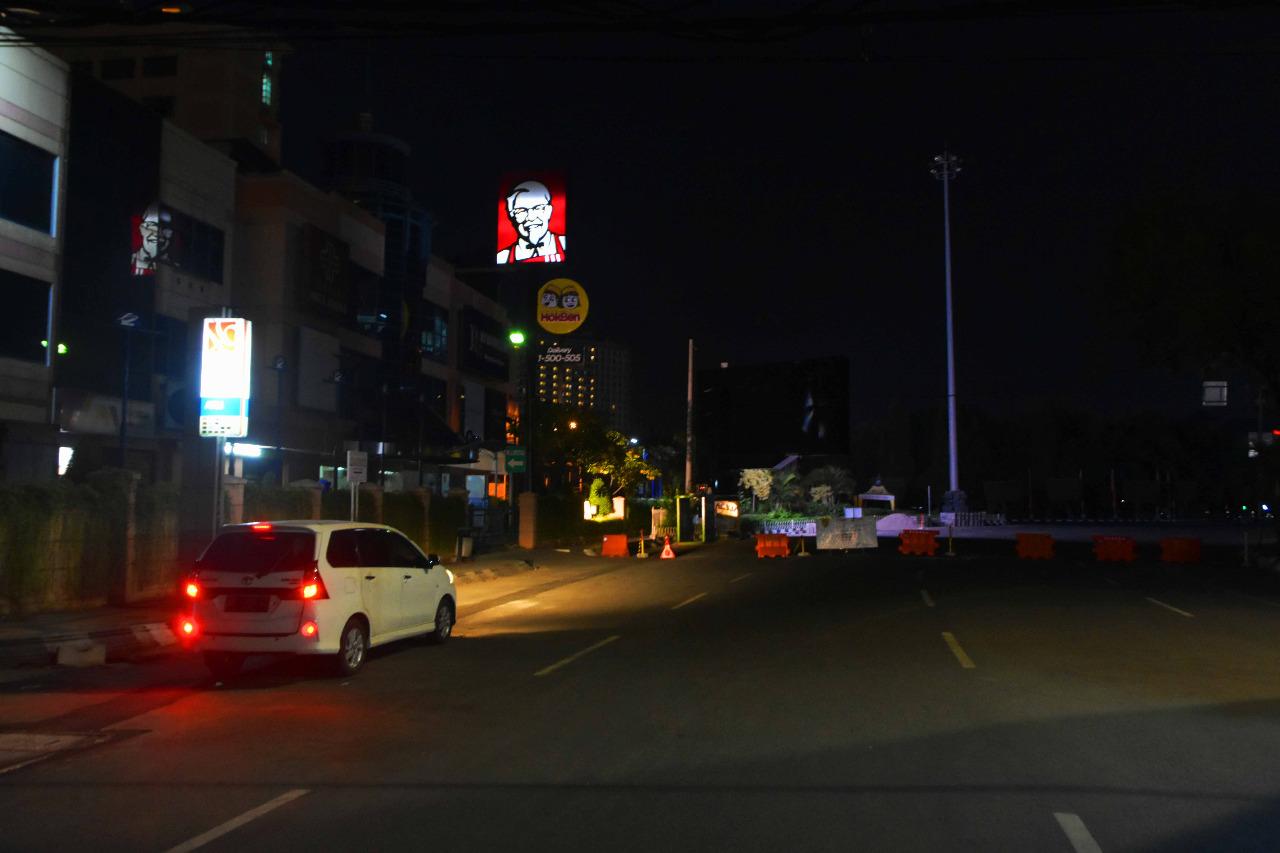 Suasana malam hari di Kota Semarang. pemadaman lampu PJU selama PPKM Darurat. FOTO: Dinda Rahmasari Tunggal Sukma/Lingkar.co