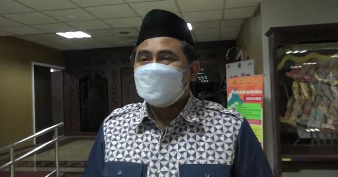 Wakil Gubernur Jawa Tengah, Taj Yasin Maimoen saat memberi keterangan kepada wartawan soal Gus Najih. FOTO: Rezanda Akbar D/Lingkar.co