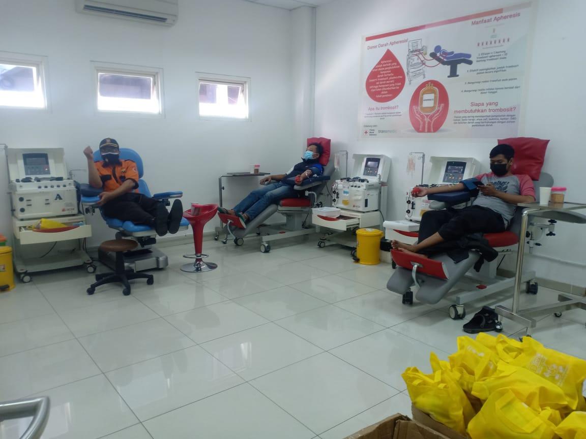 Penyintas Covid-19 melakukan donor plasma konvalesen (Gedor Lakon) di UDD PMI kota Semarang, Sabtu (24/7/2021). FOTO: Rezanda Akbar D/Lingkar.co