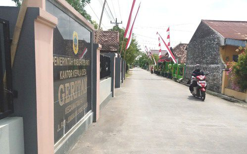 ILUSTRASI: Suasana jalan Desa Geritan, Kecamatan Pati. (IBNU MUNTAHA/LINGKAR.CO)