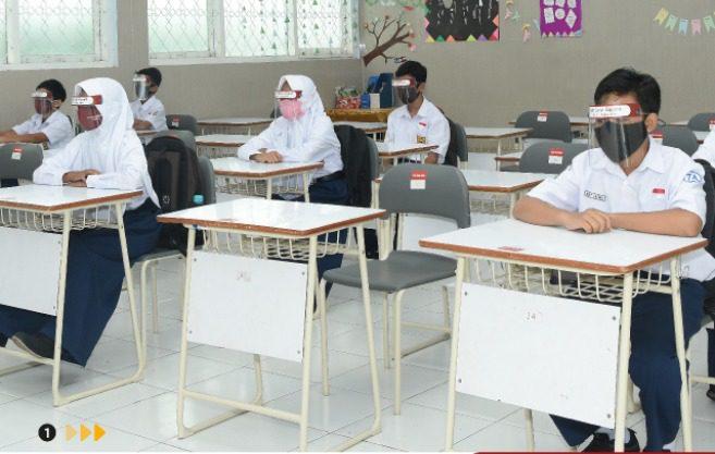 KEBIJAKAN: Pemerintah mengizinkan Pembelajaran Tatap Muka (PTM) Terbatas untuk wilayah PPKM Level 1-3. (ISTIMEWA/LINGKAR.CO)