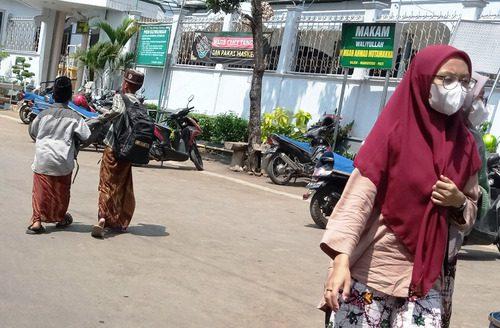 ILUSTRASI: Aktifitas masyarakat Desa Kajen, Kecamatan Margoyoso. (IBNU MUNTAHA/LINGKAR.CO)