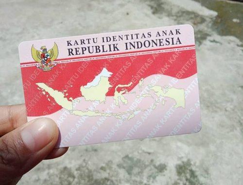 ILUSTRASI: Kartu Identitas Anak (KIA) yang telah selesai tercetak. (ISTIMEWA/LINGKAR.CO)