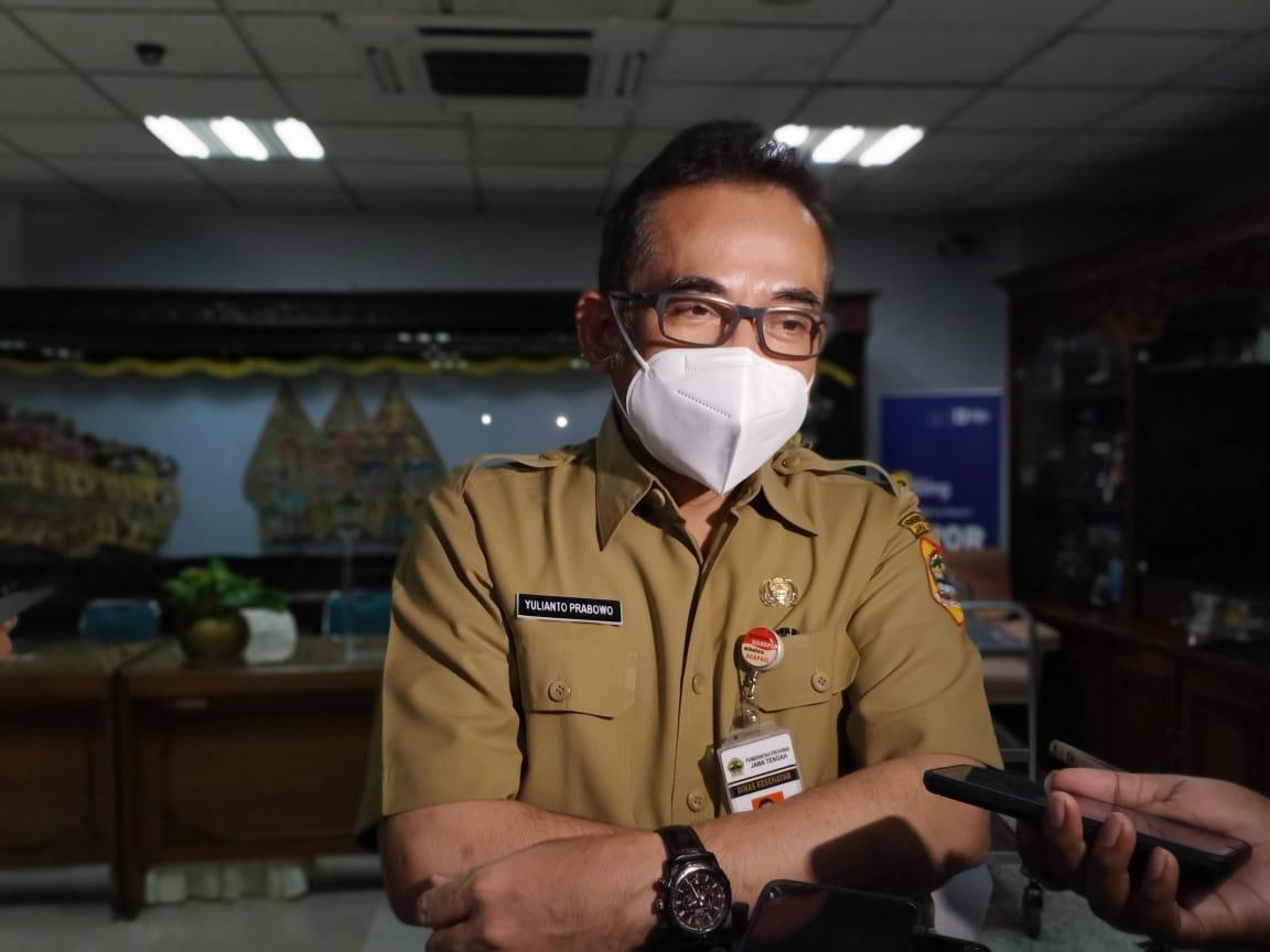 Kadinkes Jateng, Yulianto Prabowo, menemui wartawan usai rapat penanggulangan Covid-19 di ruang rapat gubernur, Senin (2/8/2021). FOTO: Rezanda Akbar D/Limgkar.co
