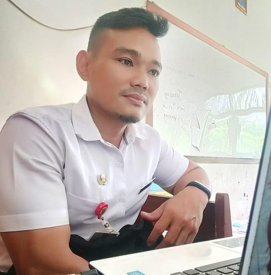 Muhkamad Saleh, S.Pd Guru Pada SD Negeri Tinjomoyo 02 Kota Semarang