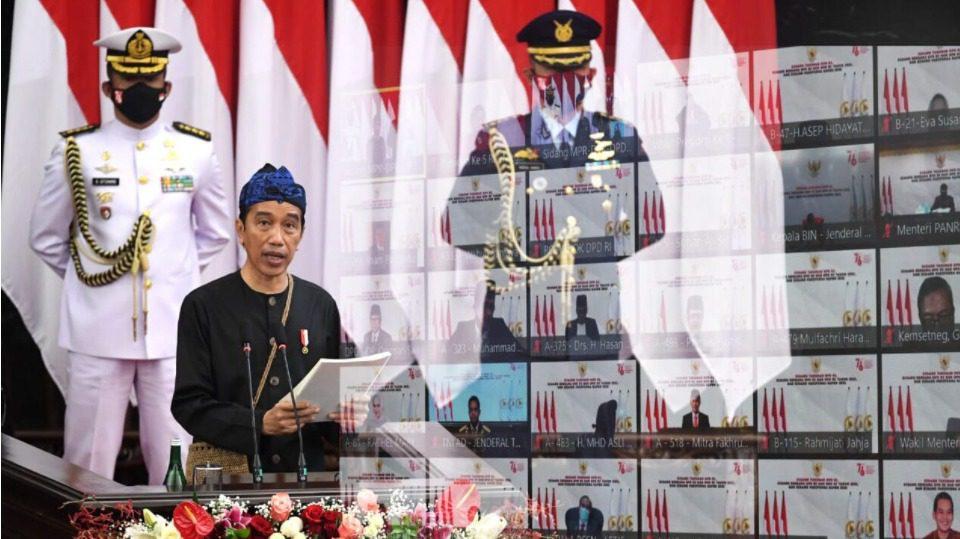 Presiden Joko Widodo, menyampaikan Keterangan Pemerintah atas RUU APBN 2022 beserta Nota Keuangannya, presiden juga merencanakan pertumbuhan ekonomi sebesar 5,5 persen di tahun 2022 pada Sidang Paripurna DPR, di Ruang Rapat Paripurna, Gedung Nusantara MPR/DPR/DPD RI, Jakarta, Senin (16/8/2021). FOTO: BPMI Setpres/Lingkar.co