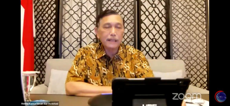 Pengumuman PPKM Level 4 Jawa-Bali diperpanjang sampai 23 Agustus oleh Menko Marves) Luhut Binsar Pandjaitan, dalam konferensi pers virtual, Senin (16/8/2021). FOTO: Tangkapan layar Youtube Kemenko Marves/Lingkar.co