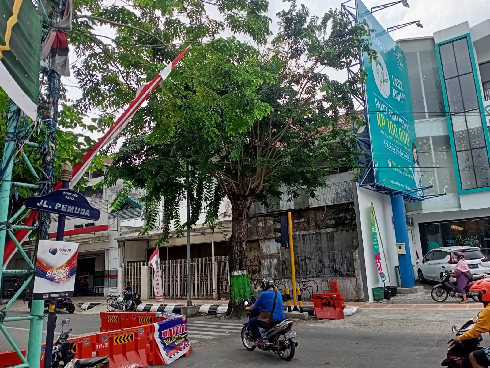 ILUTRASI- Penyekatan jalan dibuka di Kabupaten Kudus. Saat ini Kabupaten Kudus menerapkan PPKM level 2. FOTO: Alifia/Lingkar.co