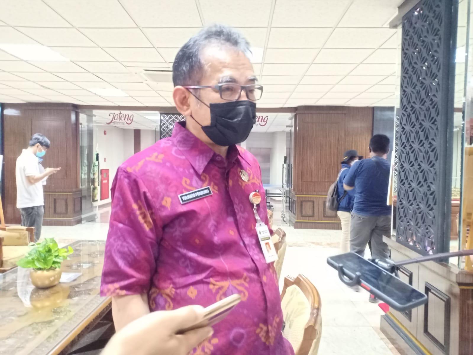 Kadinkes Jawa Tengah Yulianto Prabowo Setelah melakukan rapat penanganan Covid-19, menyampaikan klaster sekolah. FOTO: Rezanda Akbar D/Lingkar.co