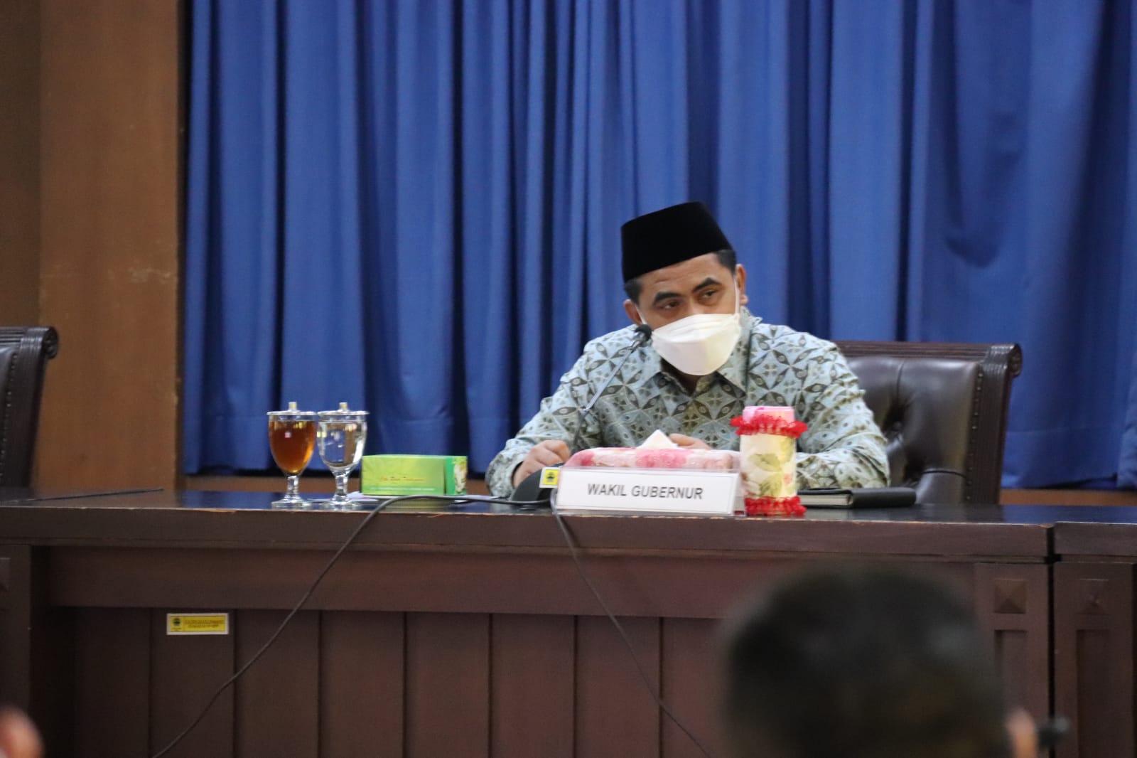 Wagub Saat menghadiri Rapat Rencana Aksi Penanganan Anak Yatim Piatu Terdampak Covid-19 di Kantor Pemerintah Provinsi Jawa Tengah. FOTO: Tim H-2/Lingkar.co