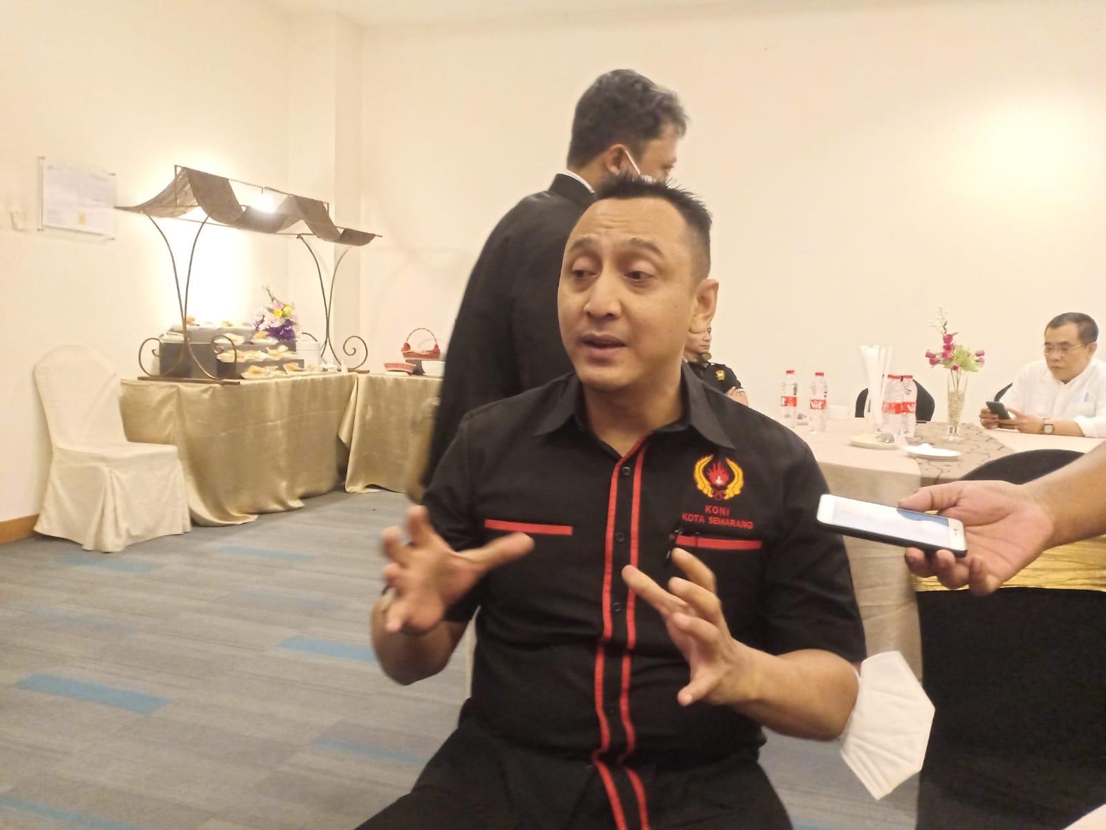 Ketua Umum dan Wakil Ketua Umum KONI Semarang, saat kegiatan perkenalan KONI dengan para pengusaha. Foto: Rezanda Akbar D/Lingkar.co