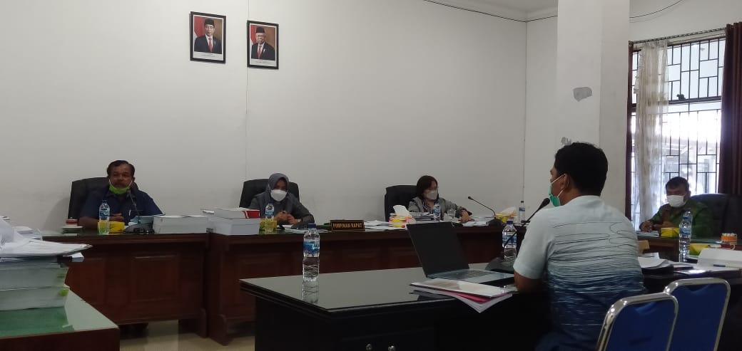 Rapat Kerja Komisi II DPRD Kota Pematang Siatar dengan PD PHJ Kota Pematang Siantar, Kamis (23/9/2021) siang, di ruang rapat Komisi II. FOTO: Matius Gea/Lingkar.co