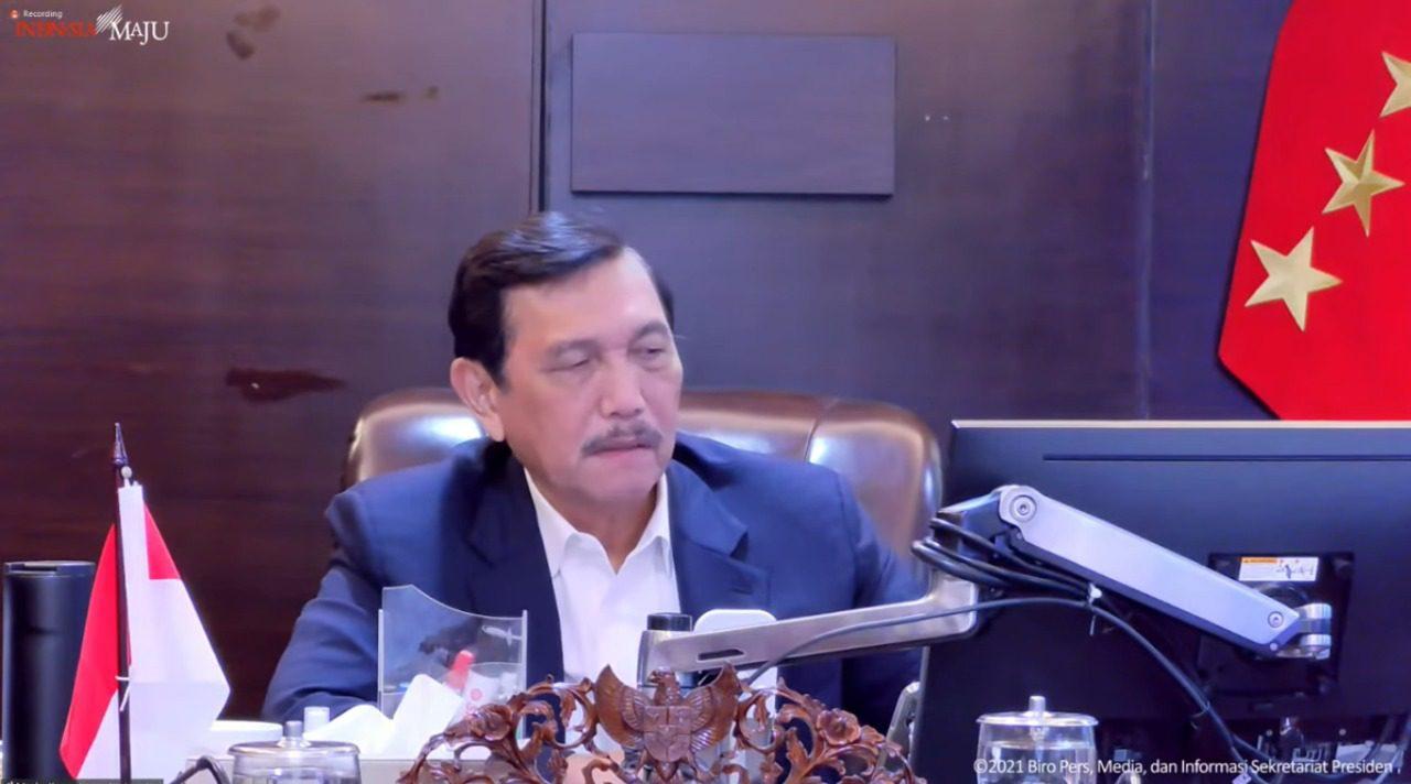 Menko Marves, Luhut Binsar Pandjaitan, dalam konferensi pers hasil rapat terbatas terkait PPKM secara virtual, Senin (27/9/2021) sore. FOTO: Tangkap layar YouTube Setpres/Lingkar.co