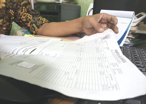 ILUSTRASI: Fotokopian KK milik masyarakat Kabupaten Pati. (IBNU MUNTAHA/LINGKAR.CO)
