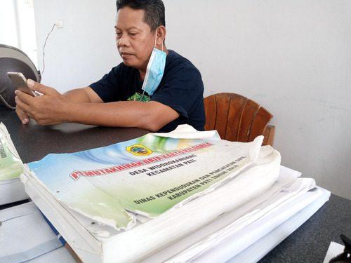 ILUSTRASI: Data kependudukan Pemdes Widorokandang, Kecamatan Pati. (IBNU MUNTAHA/LINGKAR.CO)