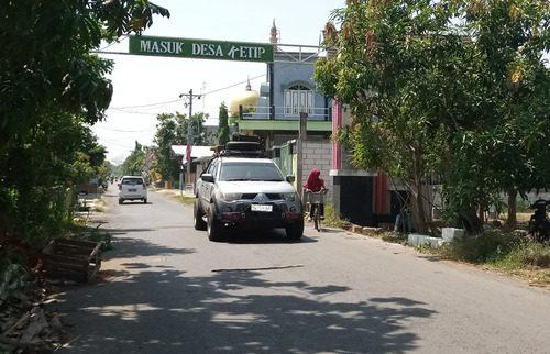 ILUSTRASI: Aktivitas pengendara pada jalan Desa Ketip, Kecamatan Juwana. (IBNU MUNTAHA/LINGKAR.CO)