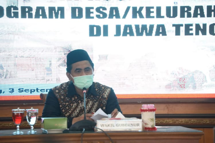 Wagub Jateng saat rapat koordinasi replikasi program desa dampingan, di Kantor Gubernur, Jumat (3/9/2021). FOTO: HUMAS/PEMPROV JATENG