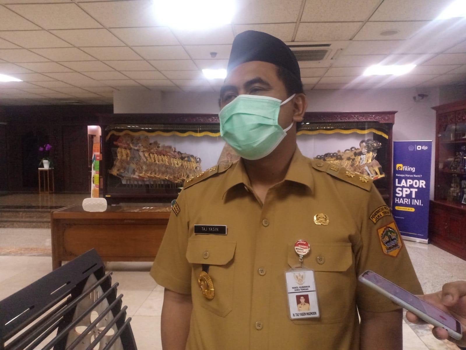 Gus Yasin usai rapat penanganan Covid-19 (6/9/2021). FOTO: Rezanda Akbar D/Lingkar.co