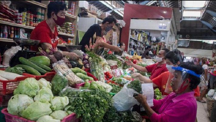 Ilustrasi Pasar tradisional. Pemerintah segera menerapkan aplikasi PeduliLindungi untuk area pasar tradisional. FOTO: ANTARA/Lingkar.co