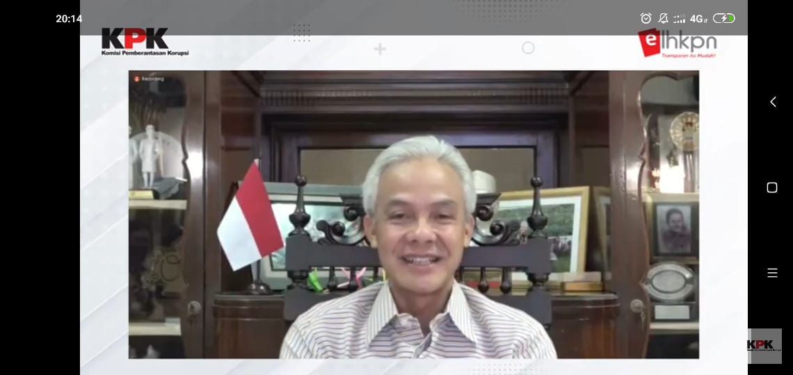 Gubernur Jawa Tengah, Ganjar Pranowo saat menjadi narasumber di webinar LHKPN di channel YouTube KPK. Foto: Danang Diska Atmaja/Lingkar.co