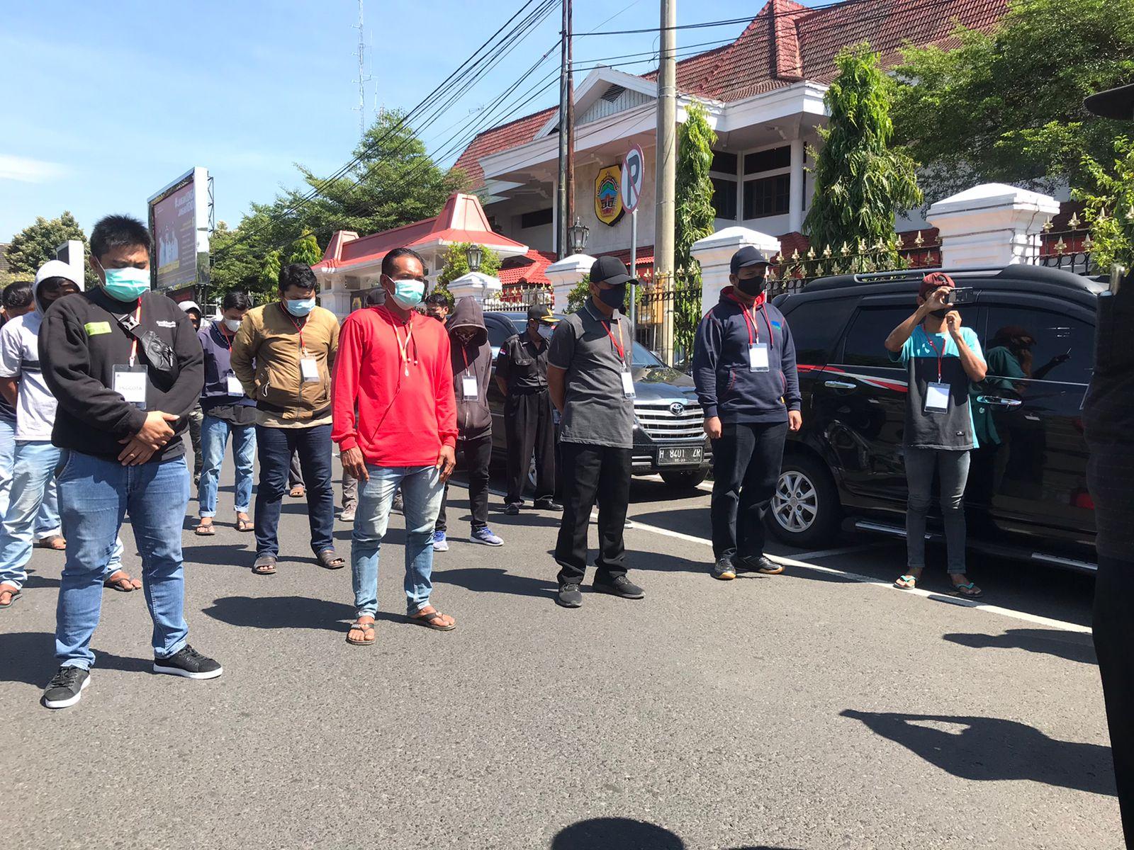 Pimpinan mosi: Yayak pimpin protes di depan DPRD/Lingkar.co