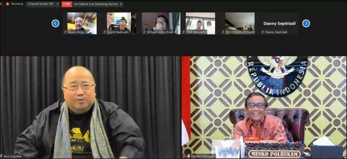 Menkopolhukam Mahfud MD, bersama Jaya Suprana, dalam acara proklamasi Hari Humor Nasional, Selasa (7/9/2021 secara virtual. FOTO: Tangkap layar/Lingkar.co