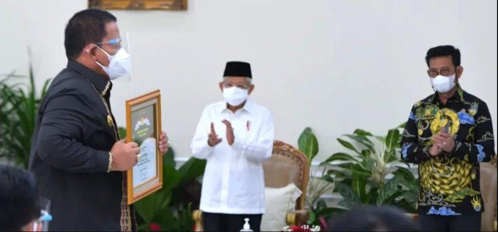 Wapres Ma'ruf Amin dan Mentan Syahrul Yasin Limpo pada Penganugerahan Penghargaan Bidang Pertanian Tahun 2021, di Jakarta, Senin (13/09/2021). FOTO: BPMI Setwapres/Lingkar.co
