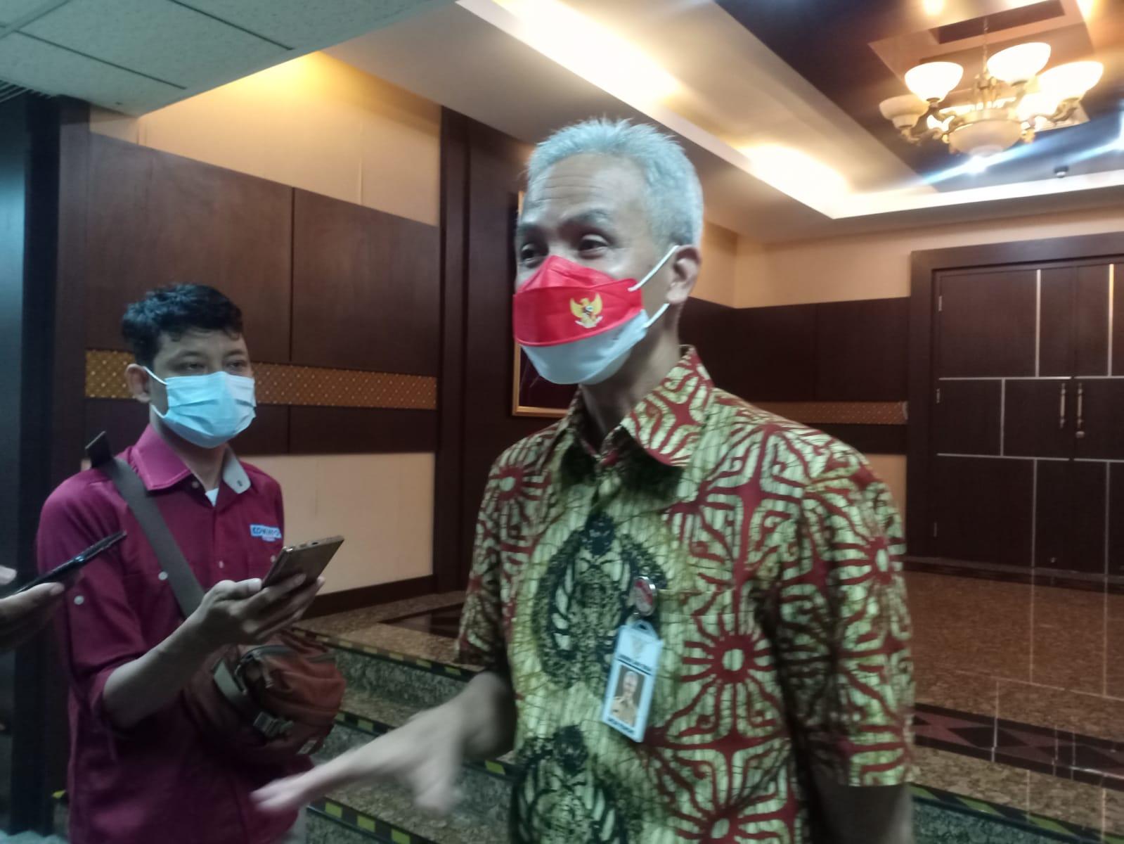 Gubernur Jateng, Ganjar Pranowo usai melakukan rapat penanganan Covid-19, kemarin. Rezanda Akbar D/Lingkar.co