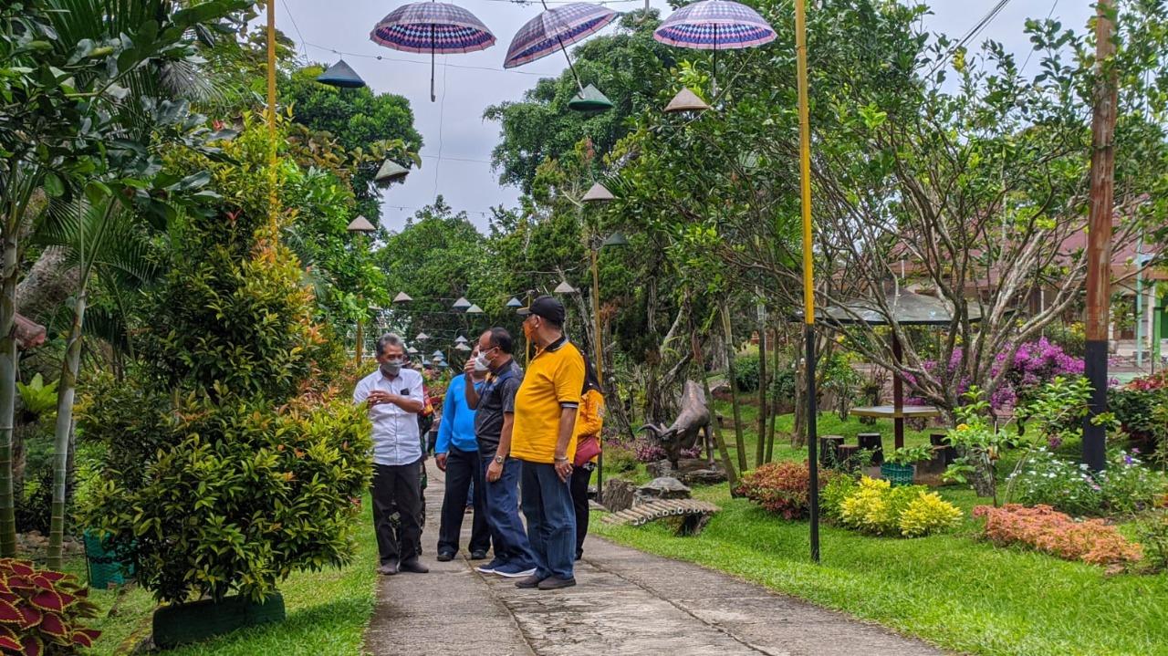 Kondisi: jolong terbaru saat melakukan simulasi pembukaan tempat wisata/Lingkar.co
