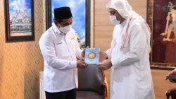 Wagub Jateng, Taj Yasin Maimoen, bersama Syekh Hussein Jaber, di ruang kerja wakil gubernur, Jumat (8/10/2021) siang. FOTO: Tim H2/Lingkar.co